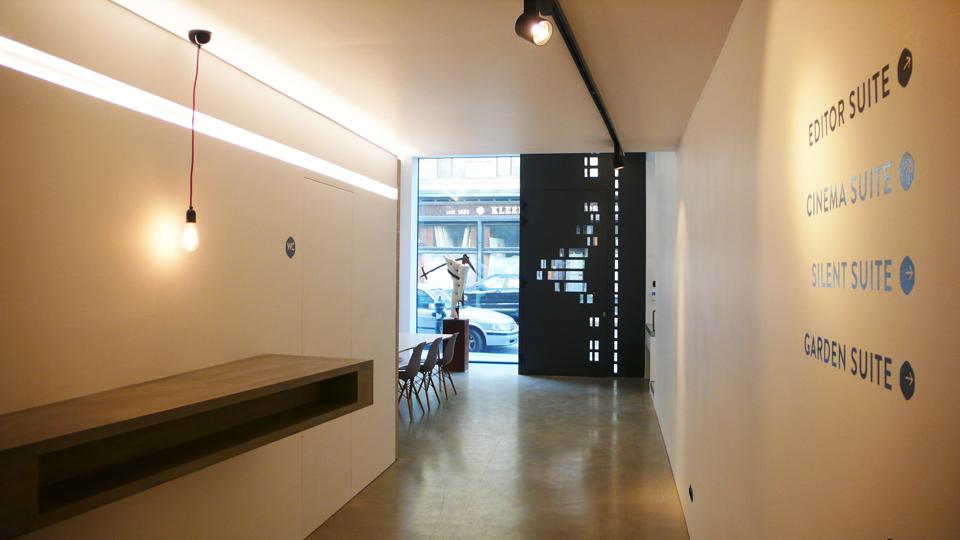 Bar_Eingang